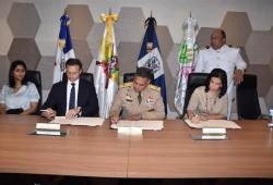 MIDE firma acuerdo para la prevención de la violencia intrafamiliar y de género