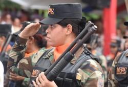 MINISTRO DE DEFENSA RESALTA EL ROL DE LA MUJER EN EL DESARROLLO DE LAS INSTITUCIONES CASTRENSES